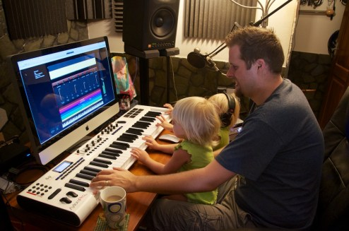 It's never to early to start learning piano!