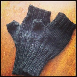 fingerless mitts 1