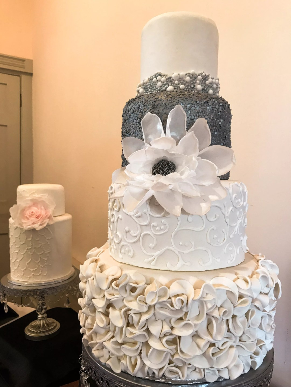 Love cake cakes