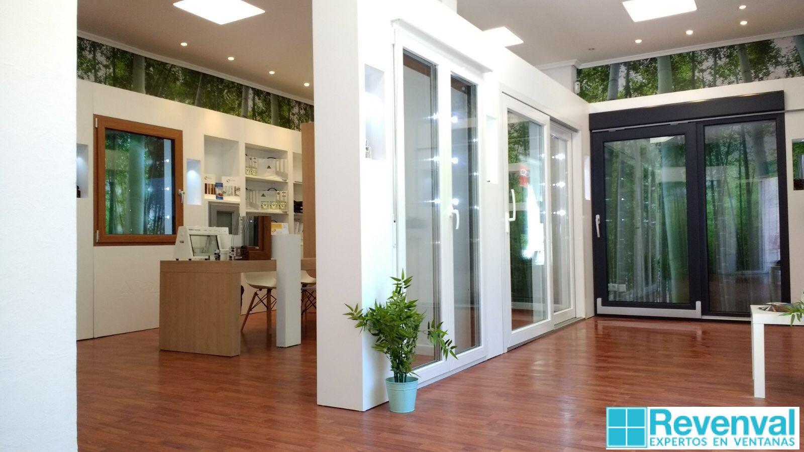 Revenval ventanas inaugura nueva tienda en Valencia - Revenval