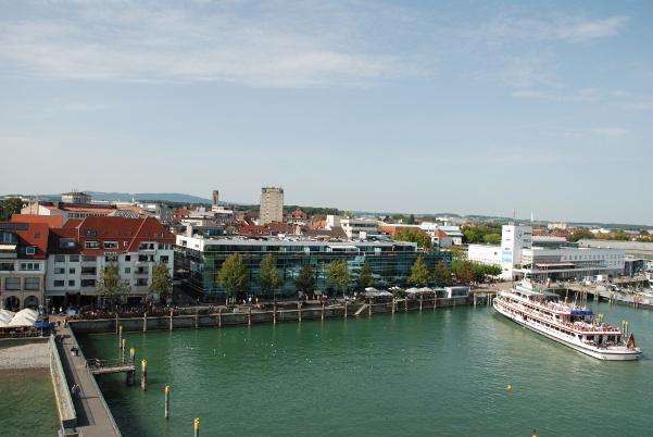 Friedrichshafen lake front (right)