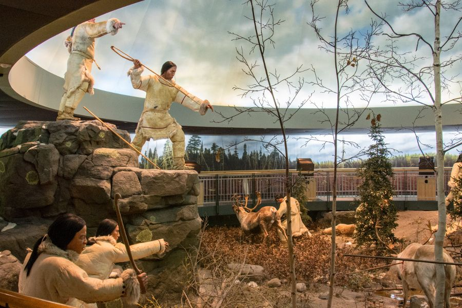 Hunting diorama at the Mashantucket Pequot Museum in Connecticut.