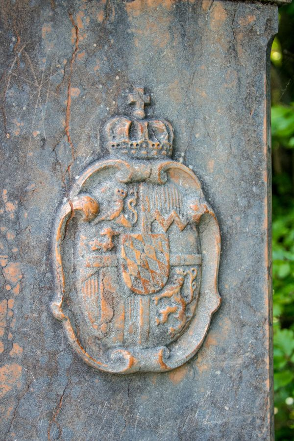 The Bavarian crest on a post in Berchtesgaden.