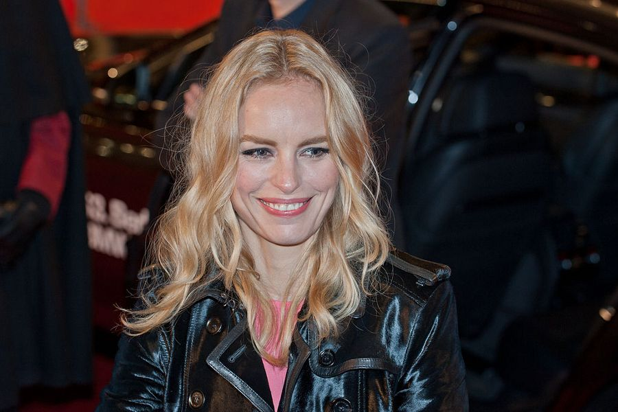 Practice German with the films of actor Nina Hoss.
