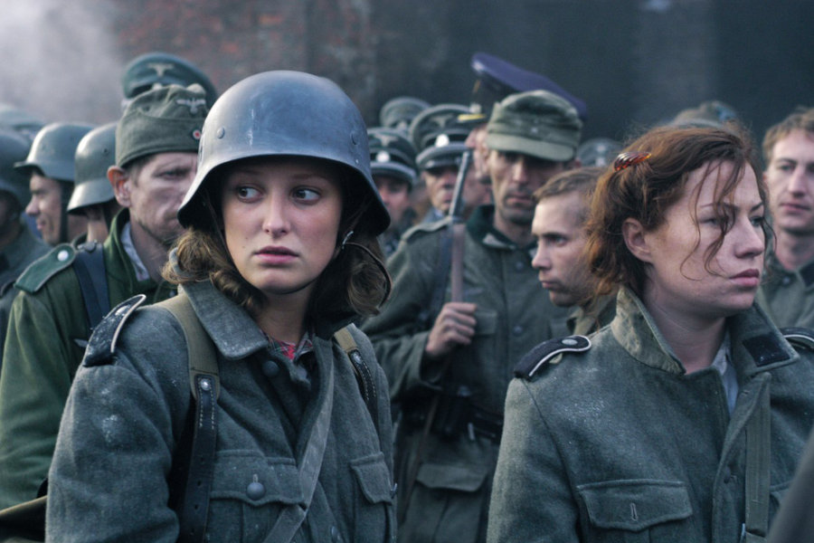 Der Untergang starring Alexandra Maria Lara.