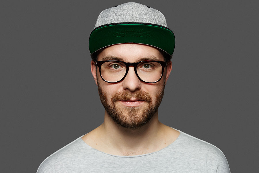 Practice your German language skills with pop singer Mark Forster.