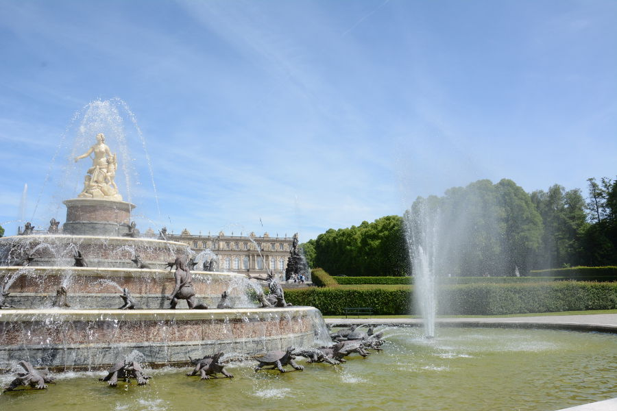 Majestic Versailles-inspired fountains from Herrenchiemsee.