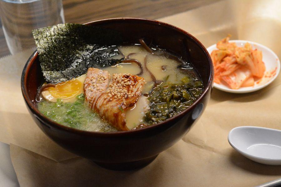 Tonkotsu from Momosan.