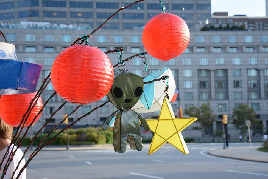 The alien lantern upclose on Cai Guo-Qiang: Fireflies pedicab in Philadelphia.