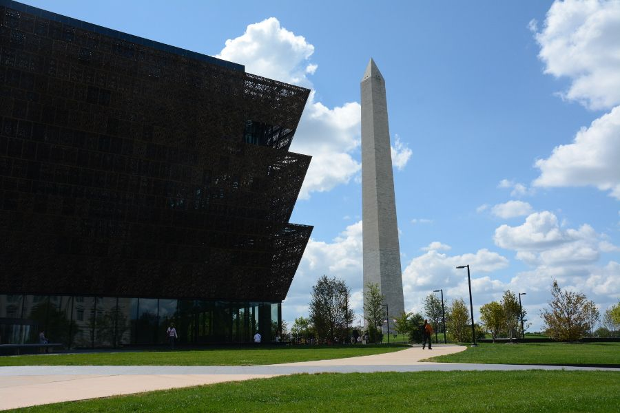 Dog friendly day trip to Washington DC at the National Mall with the Washington Monument and the African American Museum of History and Culture.