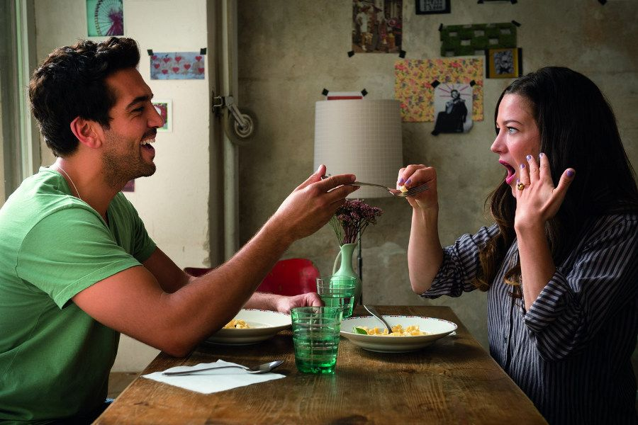 Learn German with the film Traumfrauen starring actress Hannah Herzsprung.