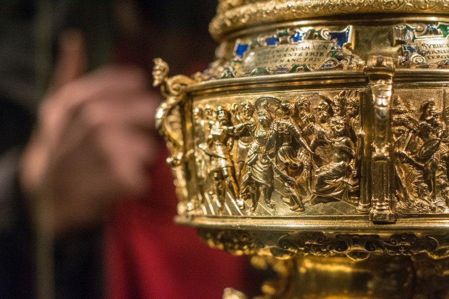 Close-up of a gold object from the Munich Residenz Schatzkammer.