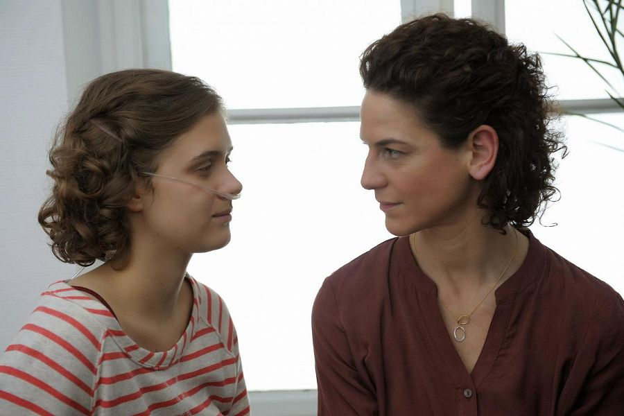 Learn German with the film Und morgen mittag bin ich tot starring Liv Lisa Fries.