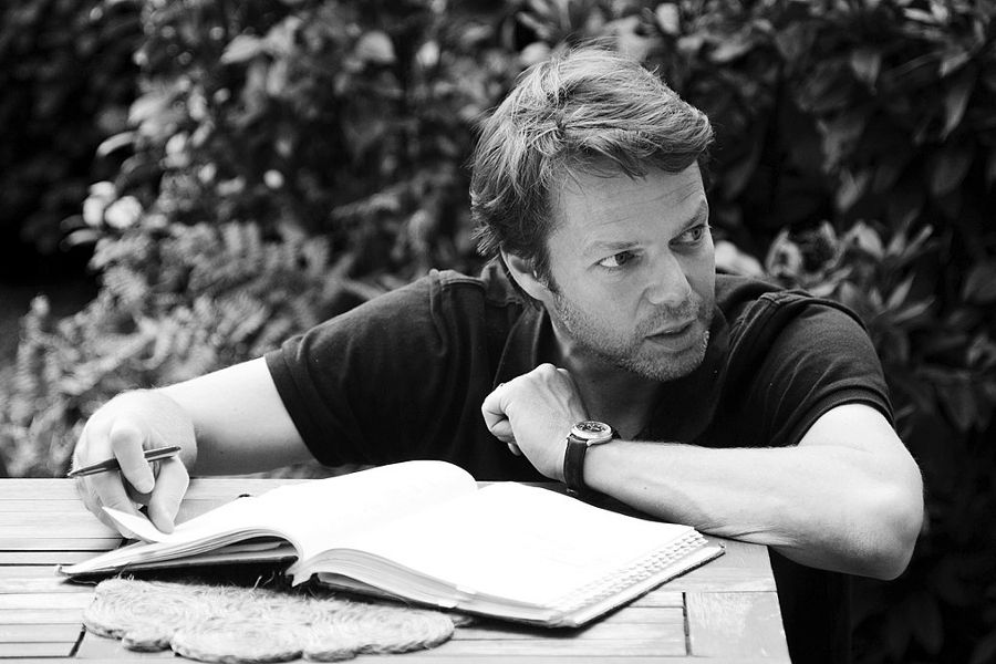 Learn German with these German language films from director and writer Hans-Christian Schmid (23, Requiem, and Das Verschwinden).