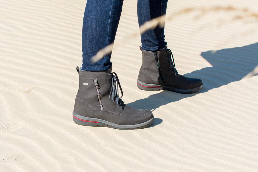 Close up of the Jordy Hadessa Waldlaufer boots.