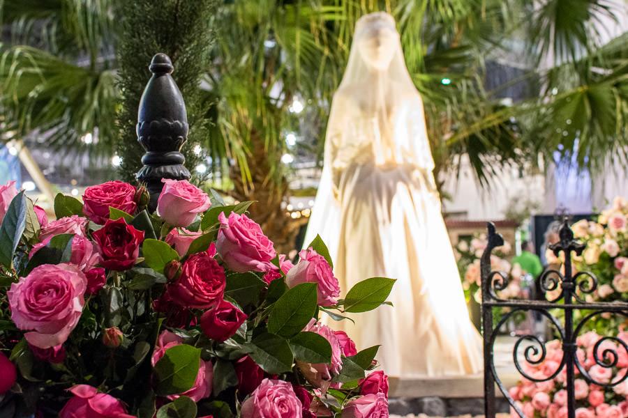 The Princess Grace Rose Garden exhibit at the Philadelphia Flower Show 2020.