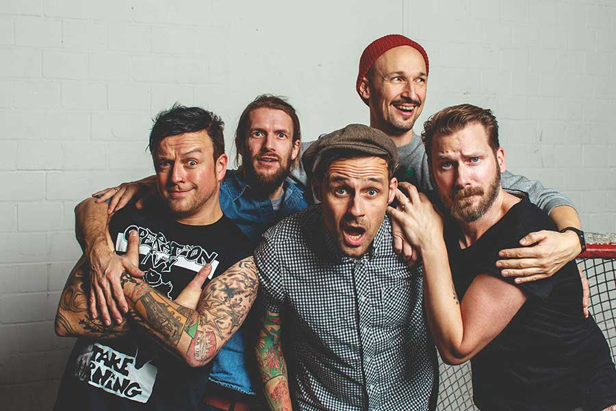 Learn German with the music of pop punk band the Donots!