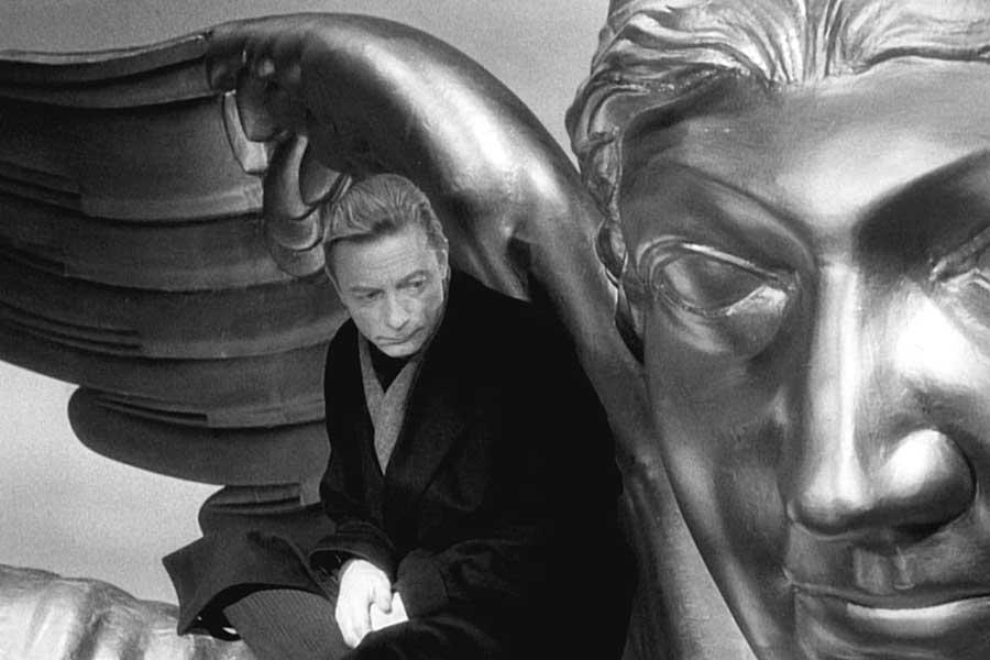Learn German with the Wim Wenders film Wings of Desire!