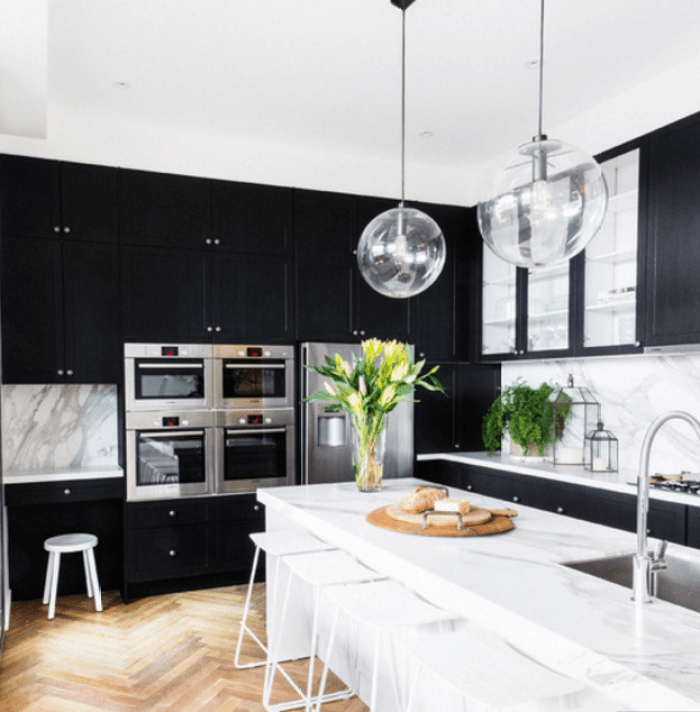 black n white kitchen