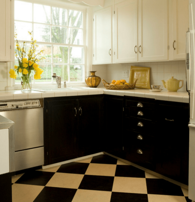 black and white traditional kitchen designs