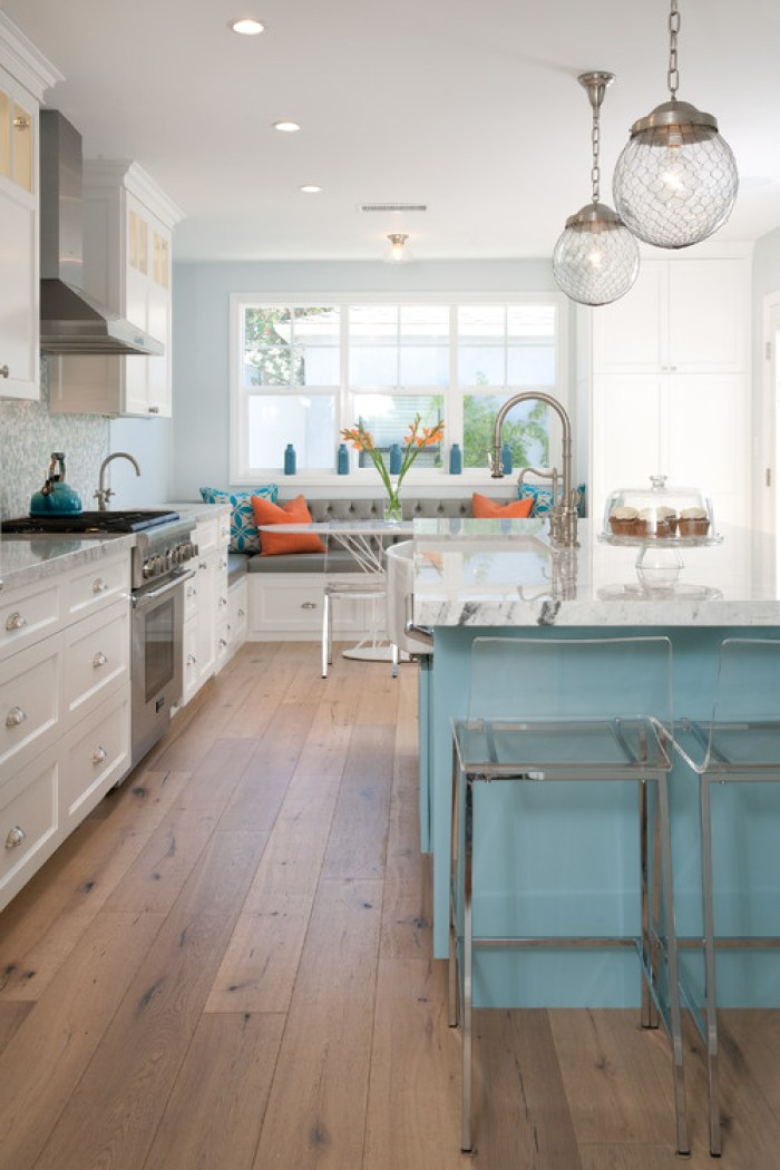 Kitchen Island and Breakfast Nook