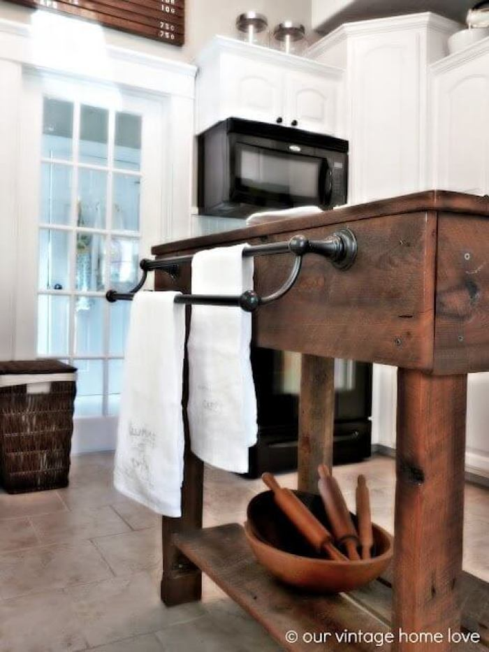 Rustic Kitchen Island with Hangers