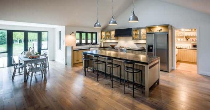 Spacious Modern Farmhouse Kitchen