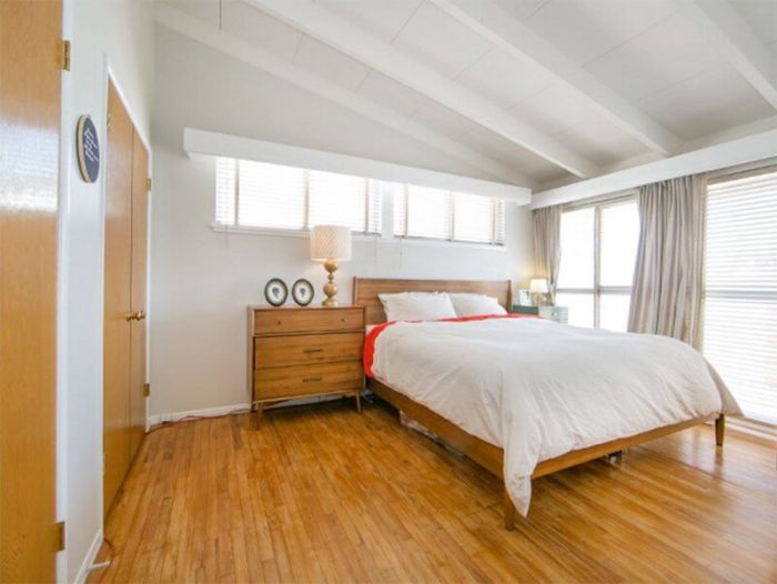 mid century modern bedroom furniture