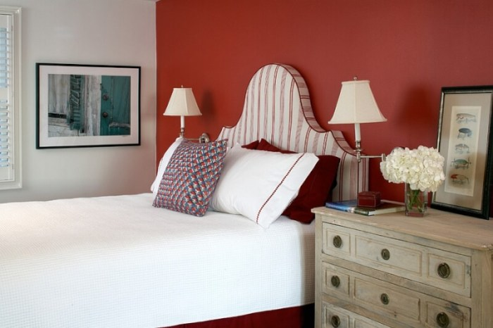 red bedroom theme