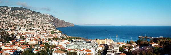 vue panoramique depuis le Four Views Baia à Funchal