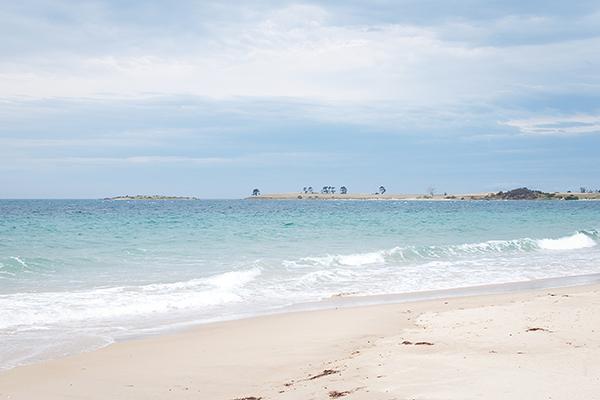 Plage de sable blanc en Tasmanie en 2011