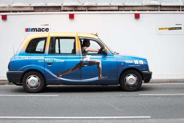 Taxi londonien en mode sport