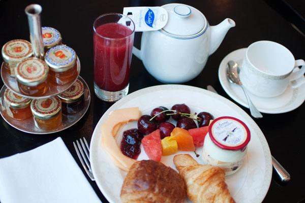 Petit Déjeuner buffet au Trianon Palace Versailles