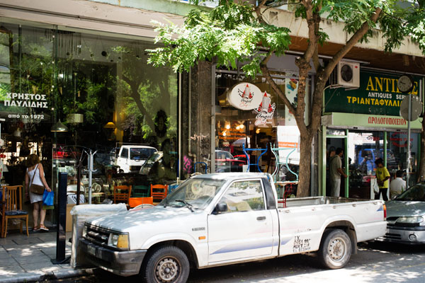 Brocante rue Tositsa Thessalonique