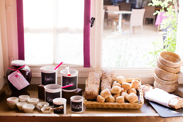 Petit-déjeuner au Relais & Chateaux Hostellerie de Levernois