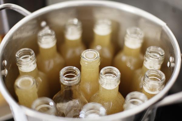 Alchimiste - Mise en bouteille du sirop