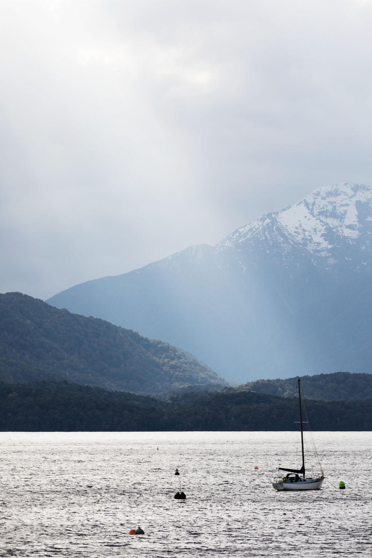 Te Anau lake