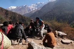 Groupe de porteurs près de Chokang Paro