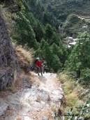 Inéviatbles marches des sentiers népalais