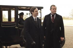 Robert Crawley (Hugh Bonneville, rechts) und der Duke of Crowborough (Charlie Cox, li.) (Bild: ZDF/Nick Briggs)