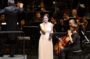 """Mädchenhafter Liebreiz: Eleonore Marguerre als Massenets """"Manon"""" (Foto: Anke Sundermeier/Stage Picture)"""