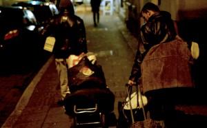 Bulgaren in der Dortmunder Nordstadt - auf der Suche nach einem Quartier für die Nacht. (Bild: © WDR)