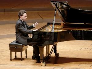 Evgeny Kissin bei seinem Konzert in Dortmund. Foto: Mark Wohlrab/KFR