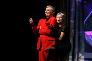 Rolf A. Scheider (Méphistophéles) und Marylin Bennett (Marthe). Foto: Klaus Lefebvre