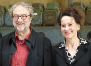 Ab 2018 für die RuhrTriennale verantwortlich: Stefanie Carp und Christoph Marthaler beim Pressetermin in der Bochumer Jahrhunderthalle. (Foto: Bernd Berke)