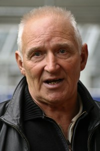 "Der frühere VBV-Spieler Alfred ""Aki"" Schmidt im Juli 2008. (Foto: © Arne Müseler - www.arne-mueseler.de / Link zur Wikipedia-Lizenz: https://creativecommons.org/licenses/by-sa/3.0/de/deed.en)"