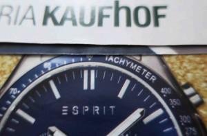 Alle Uhrzeiger auf dieselbe Zeit getrimmt: Ausriss aus dem erwähnten Prospekt der Galeria Kaufhof.