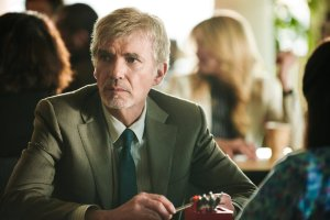 "Billy Bob Thornton als Anwalt in der Serie ""Goliath"". (© Amazon Prime Video)"