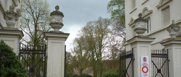 Schloss Eingang_940