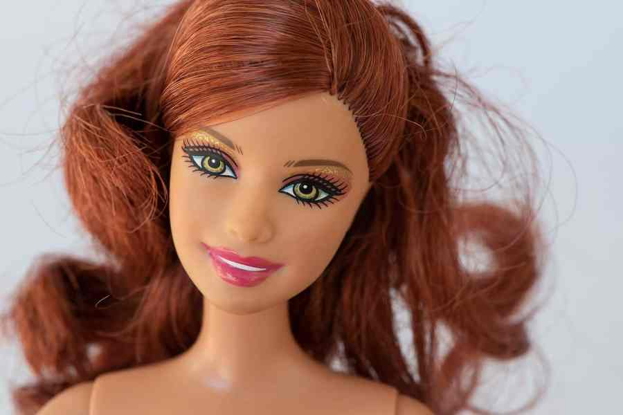 Barbie ruiva.
